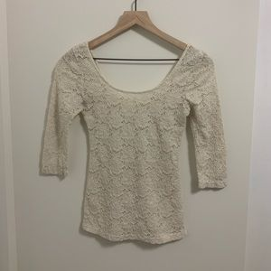 Pins and Needles 3/4 sleeve scoop neck blouse